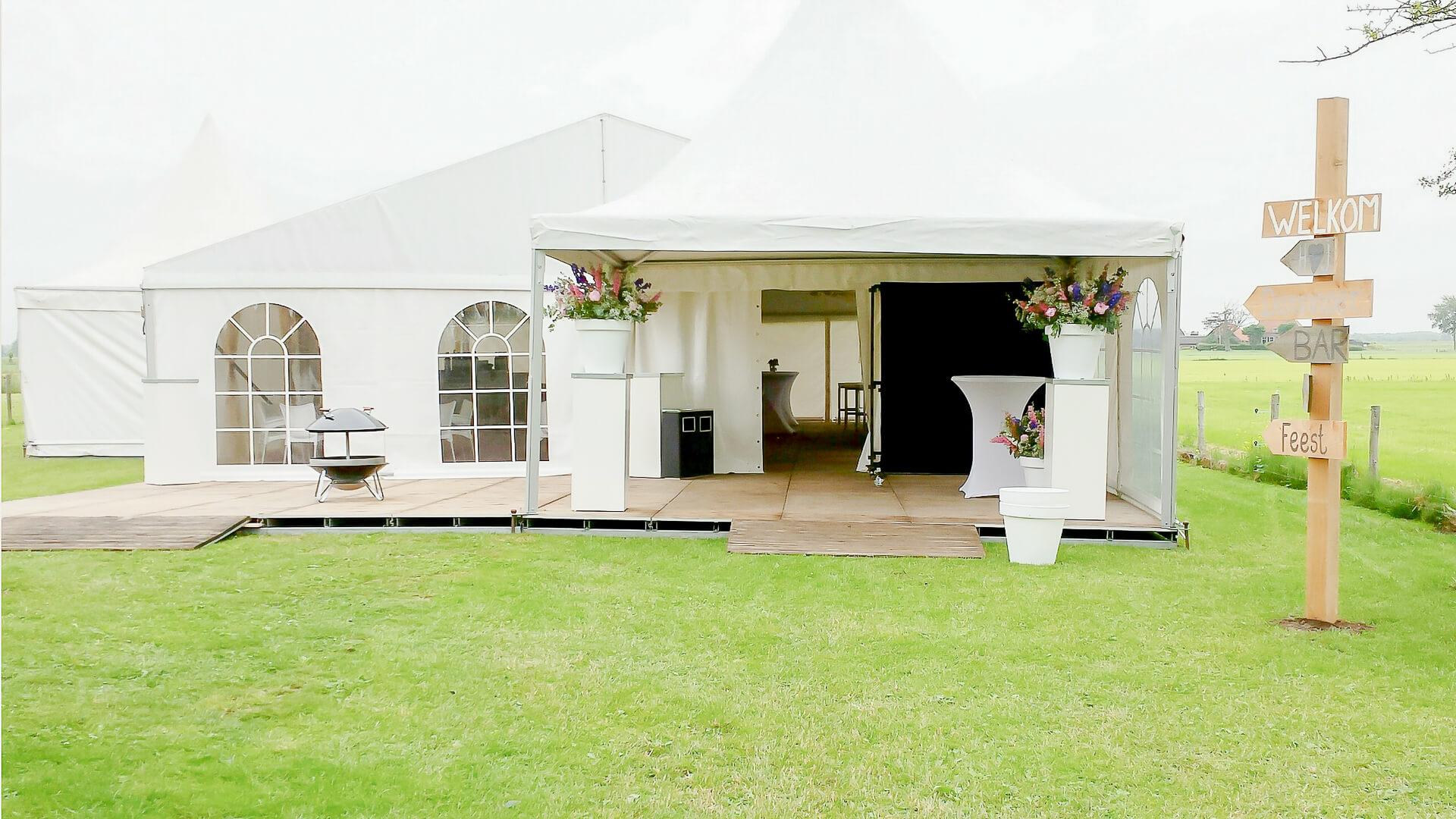 Locatiestyling Lijn 10, styling, trouwen, party tent aankleden , bruidswerk, locatie, trouwen, fotografie lijn 10, Zuidhorn