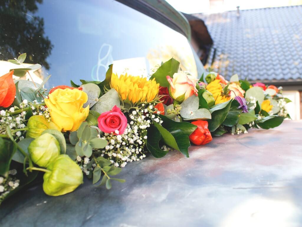 Bruidswerk Zuidhorn, Bruidswerk Groningen, Auto bloemwerk Zuidhorn, Auto bloemwerk Groningen, Trouwbloemwerk Zuidhorn, Trouwbloemwerk Groningen, Lijn 10