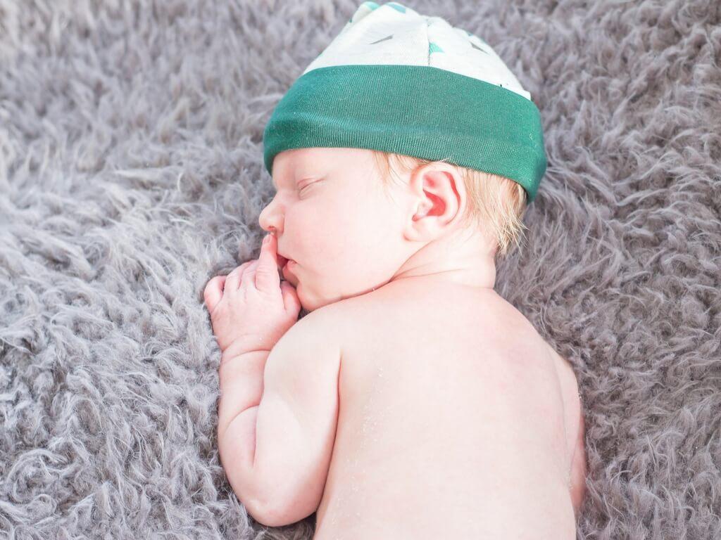 newborn Zuidhorn, newborn Groningen, baby fotografie Zuidhorn, baby fotografie Groningen, newborn, fotografie, fotograaf, lifestyle newborn