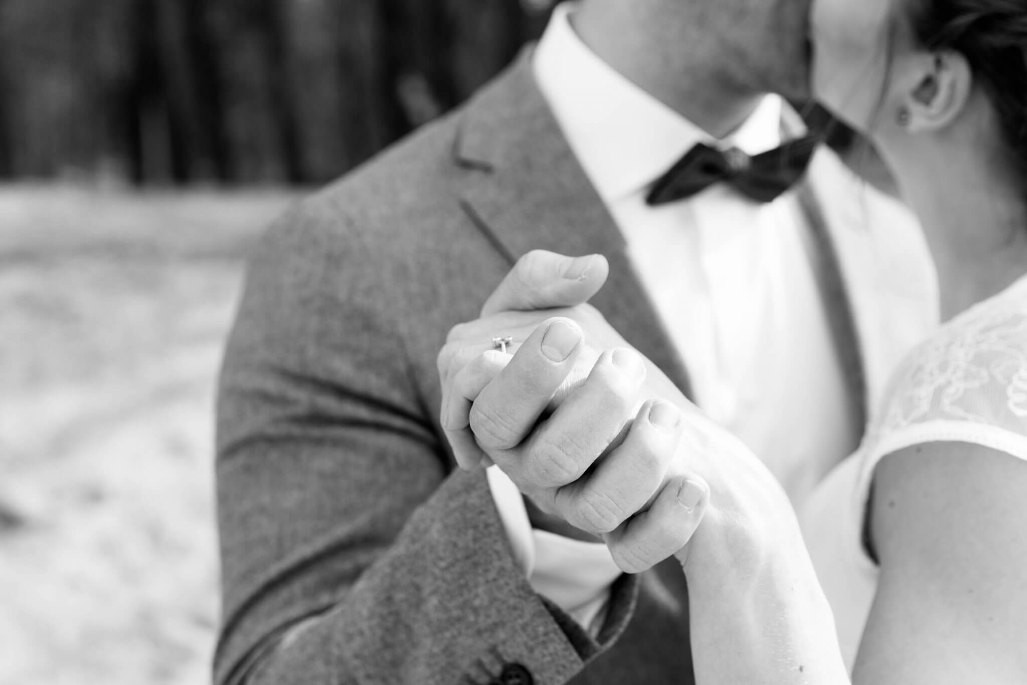 Bruidsfotograaf Zuidhorn, Bruidsfotografie Zuidhorn, Bruidsfotograaf Groningen, Bruidsfotografie Groningen, Lijn 10, Fotograaf Groningen, Fotograaf Zuidhorn, Trouwen in Groningen, Trouwen in Zuidhorn