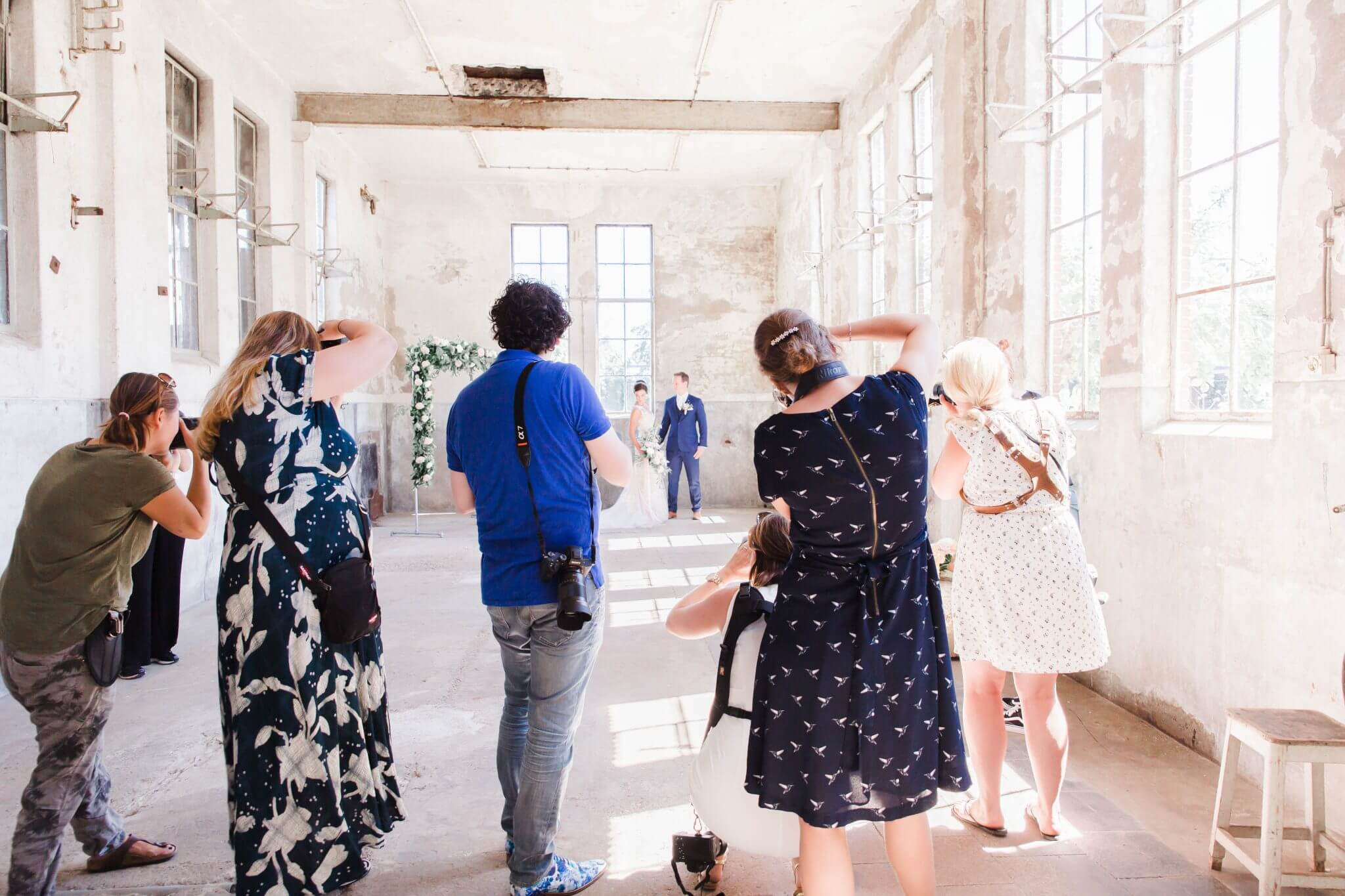 Styled wedding shoot, styled shoot, fabriek Zuidermeer, workshop, styling, bruidswerk, backdrop, bruidstaart, trouwen, Lijn 10