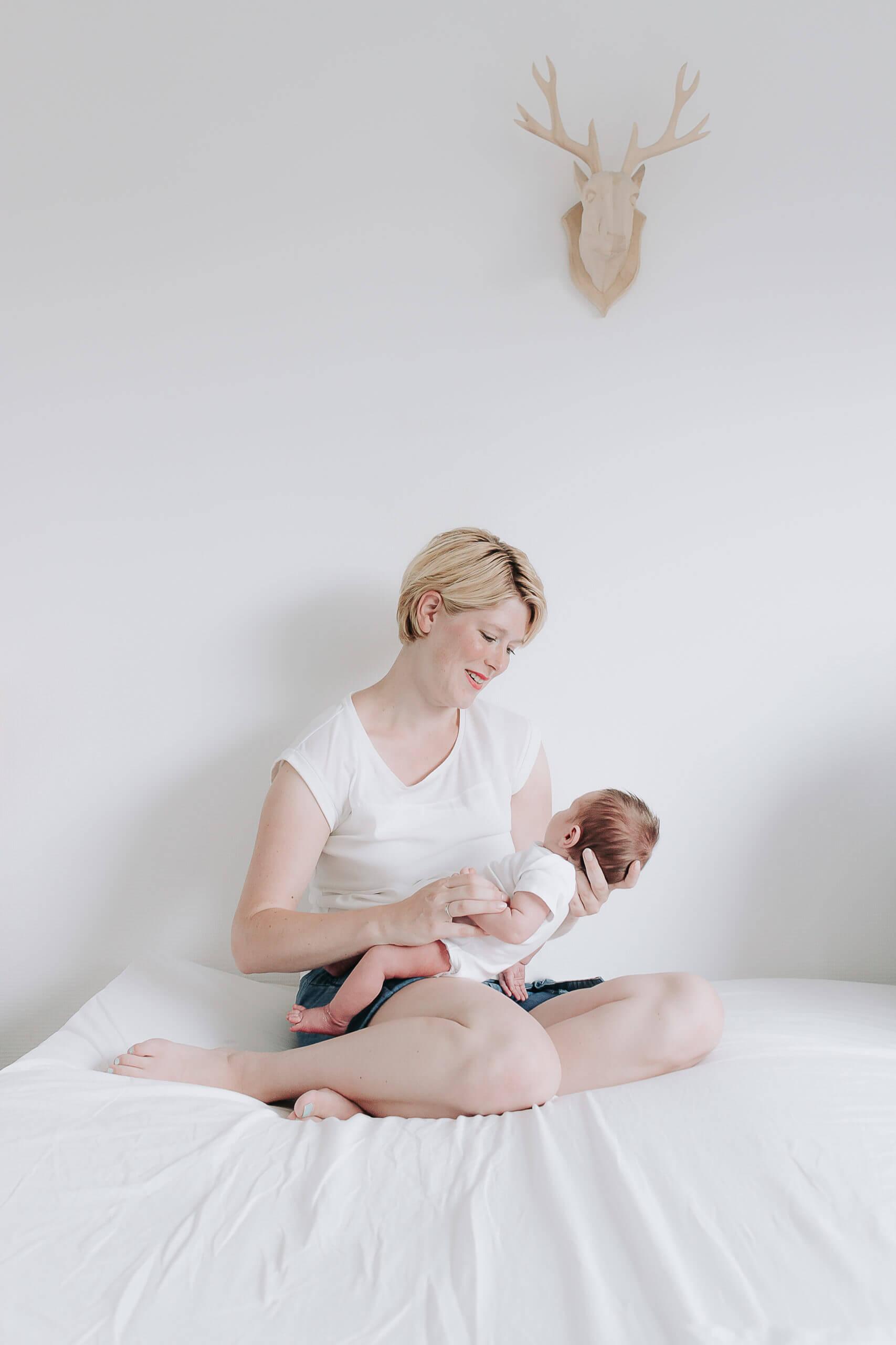 newborn fotograaf Groningen, newborn fotoshoot Groningen, baby shoot Groningen, newborn fotografie Groningen, pasgeboren baby fotoshoot, lijn 10, Haren, Zuidlaren, Ten Boer, Roden, Grijpskerk, Reitdiep, Rivierenbuurt